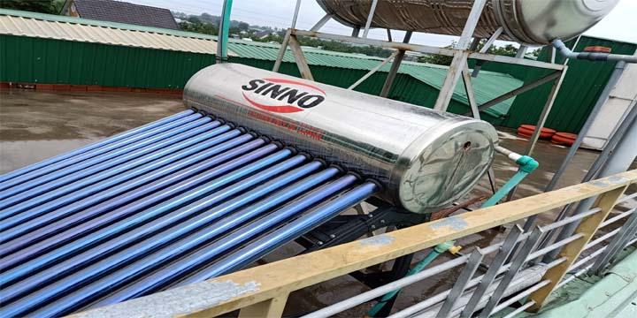 Hướng dẫn sửa máy năng lượng mặt trời bị rò nước